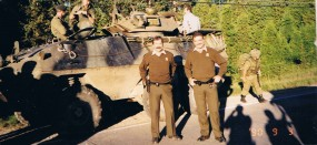 Canadian military and Quebec police personnel at the Oka stand-off, 3 September 1990.
